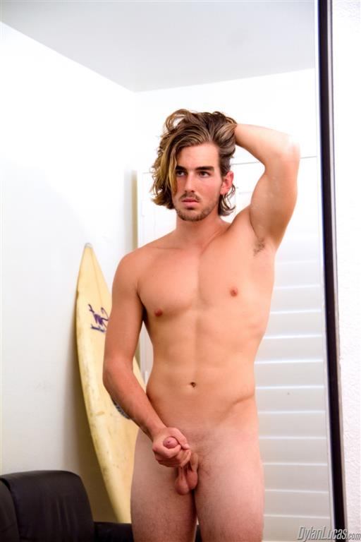 Dylan-Lucas-Alexander-Drake-Surfer-With-Shaved-Cock-Jerking-Off-Amateur-Gay-Porn-02 Amateur Broke California Surfer Jerking Off For Cash