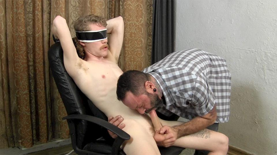Straight-Fraternity-Franco-and-Ivan-Older-Guy-Sucking-A-Big-Uncut-Cock-Amateur-Gay-Porn-08 Hairy Muscle Daddy Sucks A Younger Redneck Guys Huge Uncut Cock
