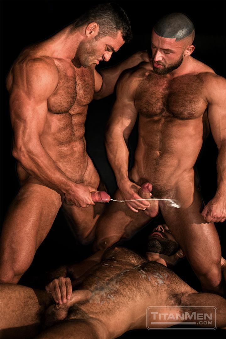 Sexy Cock Sucking And Cum Shooting With Muscle Guys