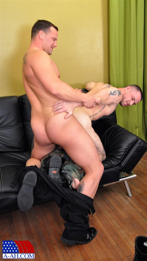 All-American-Heroes-NAVY-CORPSMAN-LOGAN-FUCKS-SERGEANT-MILES-Military-Guys-Fucking-Bareback-Amateur-Gay-Porn-07 Real US Navy Corpsman Barebacking A US Army Sergeant