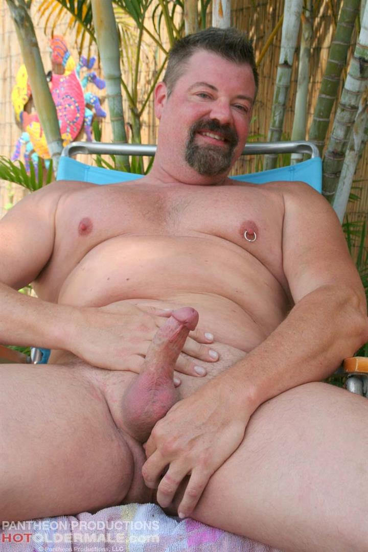 Hot-Older-Male-Mitch-Davis-Beefy-Chubby-Smooth-Daddy-Jerking-His-Thick-Cock-Amateur-Gay-Porn-14 Beefy Smooth Daddy With A Thick Cock Jerking Off
