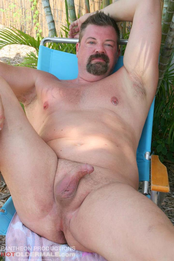 Hot-Older-Male-Mitch-Davis-Beefy-Chubby-Smooth-Daddy-Jerking-His-Thick-Cock-Amateur-Gay-Porn-20 Beefy Smooth Daddy With A Thick Cock Jerking Off