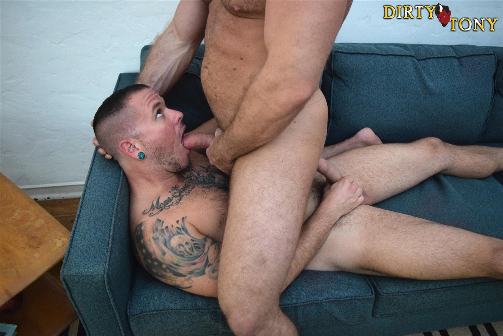 Dirty-Tony-Shay-Michaels-and-Max-Cameron-Hairy-Muscle-Hunk-Bareback-Amateur-Gay-Porn-08 Hairy Muscle Hunk Shay Michaels Barebacking Max Cameron
