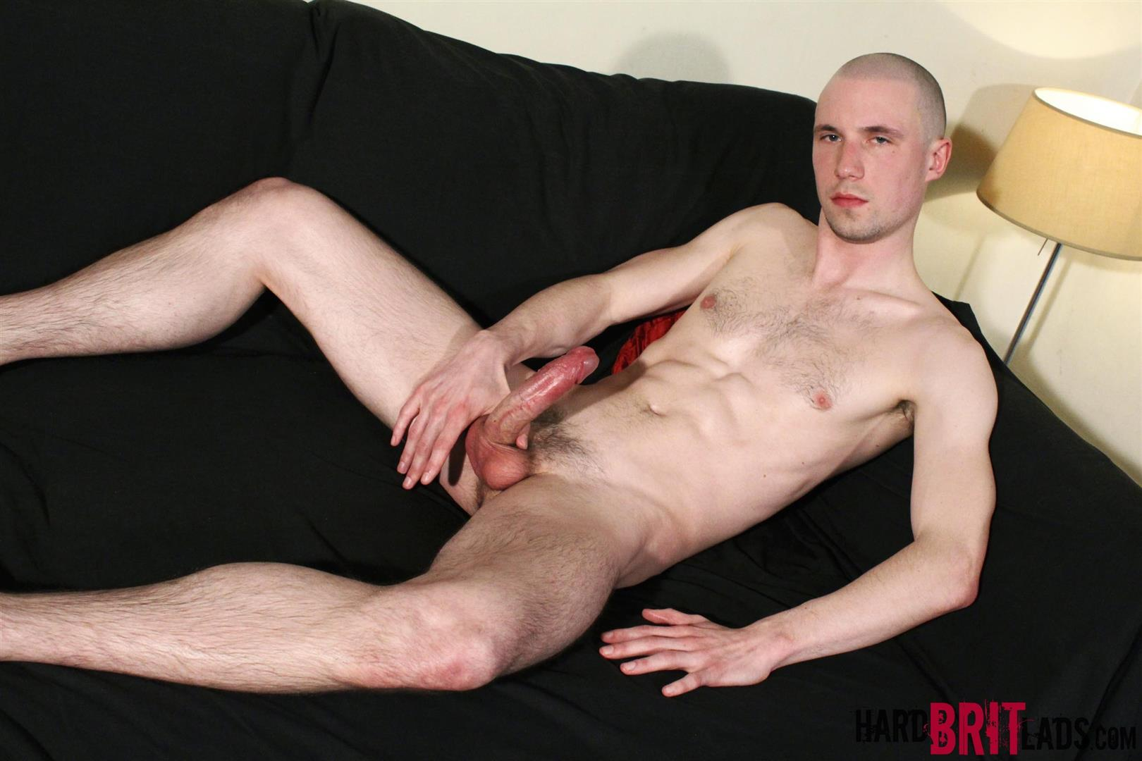 Hard-Brit-Lads-Jason-Domino-Naked-Skinhead-With-Big-Uncut-Cock-Jerk-Off-Amateur-Gay-Porn-08 British Skinhead Jerking Off His Big Uncut Cock