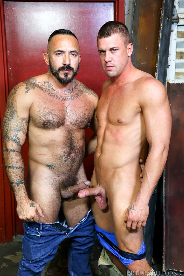 Men-Over-30-Darin-Silvers-and-Alessio-Romero-Hitchhiker-Fucking-Hairy-Ass-Amateur-Gay-Porn-06 Alessio Romero Picks Up A Hitchhiker And Gets Fucked In The Ass