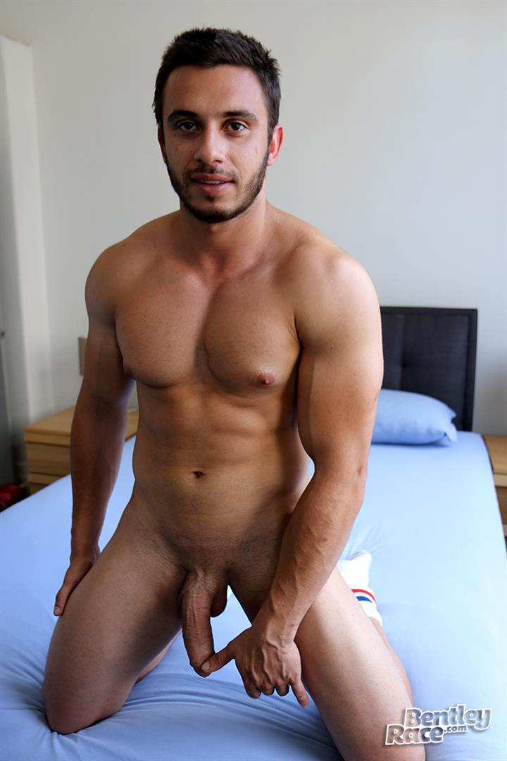 Bentley-Race-James-Nowak-Beefy-Straight-Muscle-Hunk-Jerks-His-Big-Uncut-Cock-Amateur-Gay-Porn-15 Straight Australian Beefy Muscular Guy Strokes His Thick Uncut Cock